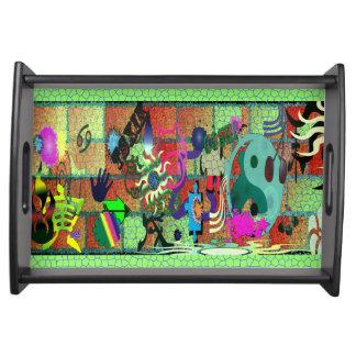 konst för U-plocka färggrafitti på tegelstenväggen Serveringsbrickor