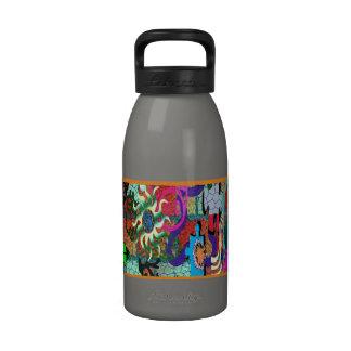 konst för U-plocka färggrafitti på tegelstenväggen Dryckflaska