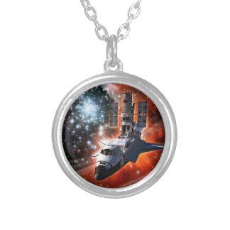 Konstverk för rymdfärjaAtlantis Hubble teleskop Silverpläterat Halsband