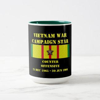 Kontra den offensiva kampanjen Två-Tonad mugg