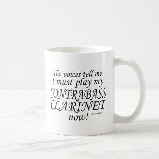 Kontrabasklarinetten uttrycker något att säga kaffemugg