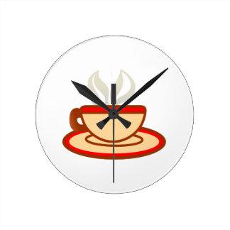 Kopp av kaffe rund klocka