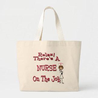 Koppla av där är en sjuksköterska på jobbet tygkassar