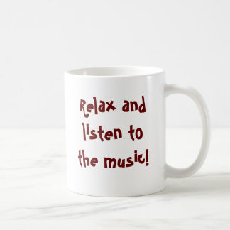 Koppla av och lyssna till musikmug.en vit mugg