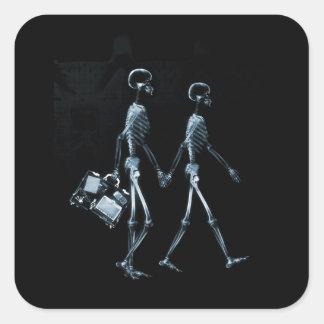 Koppla ihop resanden röntgar visionskelett - blått fyrkantigt klistermärke