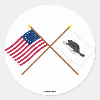 Korsad Betsy Ross flagga och New York Ensign Runt Klistermärke
