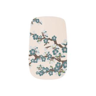 Körsbäret blomstrar den Sakura slynapåfågeln), Nagel Konst