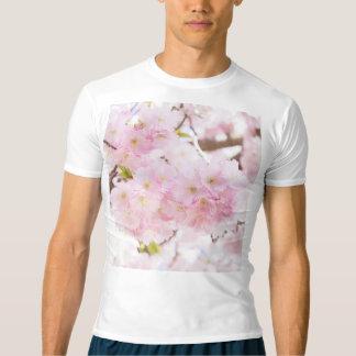 Körsbärsröd blommar för rosa träd t shirts
