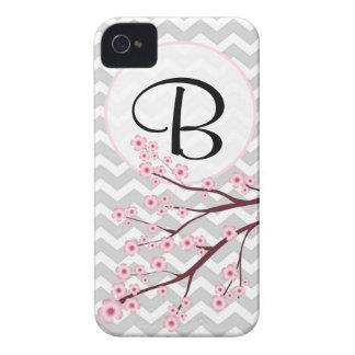 Körsbärsröd blommar- och sparreMonogramiPhone 4/4S iPhone 4 Case-Mate Fodraler