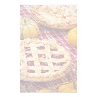 Körsbärsröd paj för galler och Apple paj Brevpapper