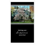 Körsbärsröd visitkort för blommarfastighethus