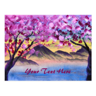 Körsbärsröda blommarträd berg för skymning för vykort