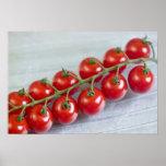 Körsbärsröda tomater på vinen för använda i USA Affischer