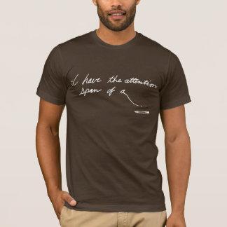 Kort uppmärksamhet spänner över tröjor