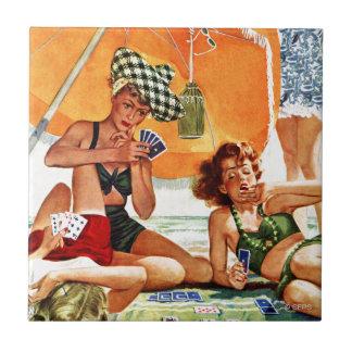 Kortspel på stranden av Alex Ross Liten Kakelplatta