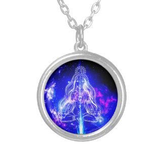 Kosmisk Iridescence Halsband Med Rund Hängsmycke