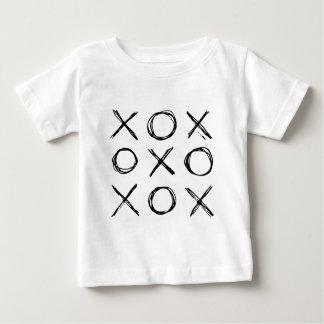 Kramar och kyssar XOXO T Shirt