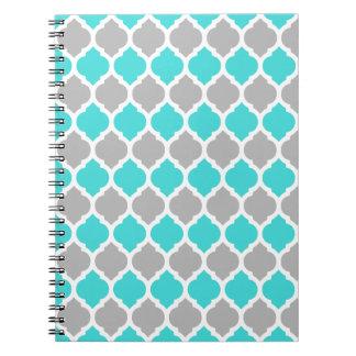 Kricka och marockanskt galler för grått anteckningsbok med spiral