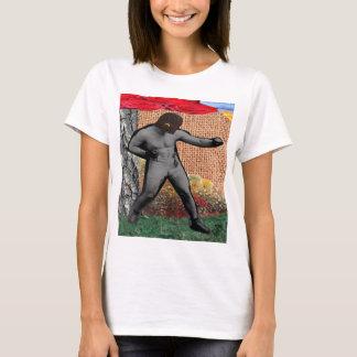 Krig & fred & narcissisten (surrealistisk Collage) T-shirts