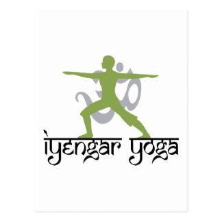 Krigare poserar den Iyengar Yogagåvan Vykort