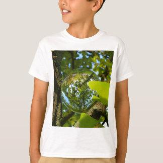 Kristallkula i Gingkoträd Tee Shirt