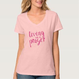Kristna damer som bor på en bönrosa t shirts