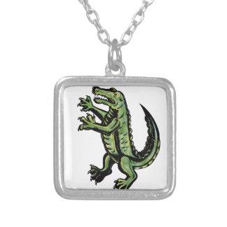 Krokodil som står upp tatuering silverpläterat halsband