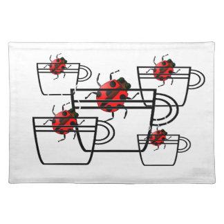 kryp i en kopp - röda nyckelpigor bordstablett