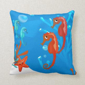 Kudder den vatten- gulliga seahorsen för hav kudde