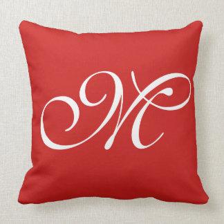 Kudder rött initialt för M Kudde