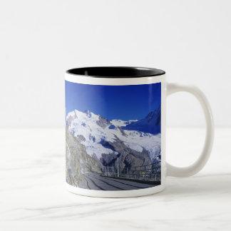 Kulm hotell och slinga, Gornergrat, Zermatt, Två-Tonad Mugg