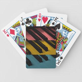 Kulöra organnycklar spelkort