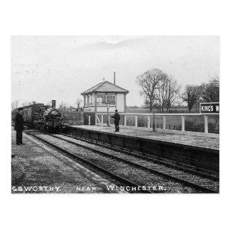 Kung värdig järnväg vykort för stationvintage