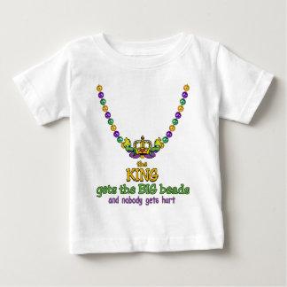 Kungen får den STORA pärlor T-shirts
