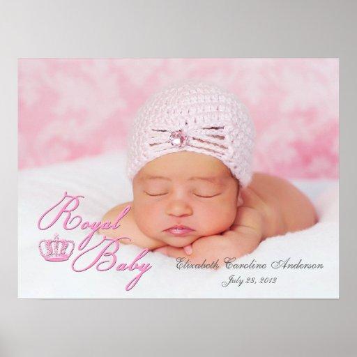 Kunglig baby i rosor med vintagekronan affisch