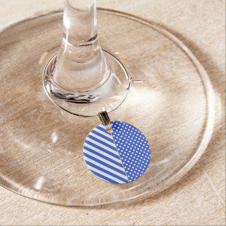 Kunglig blåttpolka dots och randar vid berlock vinglas
