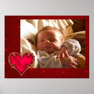 Kunglig röd hjärtanyfödd bebis poster