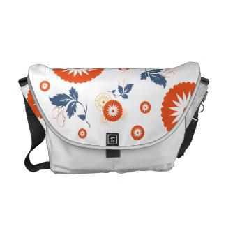 Kurbits - medelmessenger bag - orangeblommor messenger bag