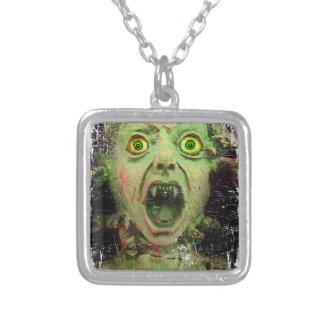 Kuslig fasa för gigantisk Zombiegrönt Halsband Med Fyrkantigt Hängsmycke