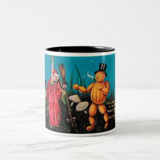 Kuslig kopp för kaffe för vintageHalloween kort