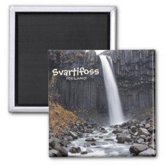 Kvadrera den Svartifoss vattenfallet i Magnet