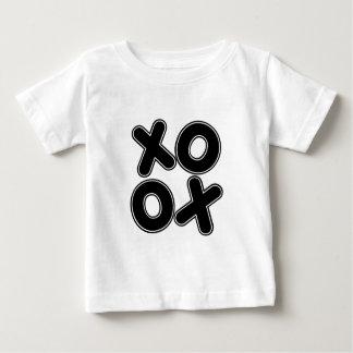 Kvadrerad XOXO T Shirts