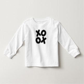 Kvadrerad XOXO Tee