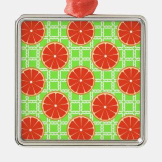 Kvadrerar citrusa grapefrukter för ljus sommar på julgransprydnad metall