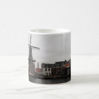 """Kvarn """"De Adriaan"""", Haarlem Kaffemugg"""