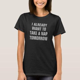 Kvinna jag önskar redan att ta en ta sig en t-shirts