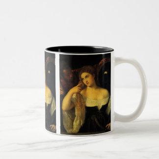 Kvinna med en spegel vid Titian, Två-Tonad Mugg