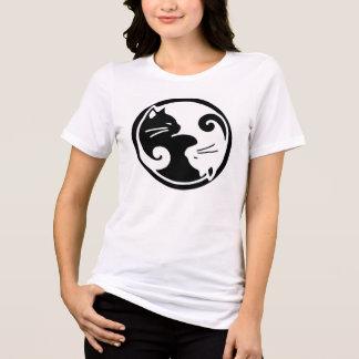 Kvinna utslagsplats för Yin Yang katter T Shirt