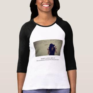 Kvinna vit och bild för sleever för svartskjorta t shirts