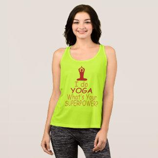 Kvinna Yoga: Jag gör yoga vad är din superpower Tshirts